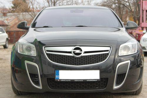 Opel Insignia 2.8