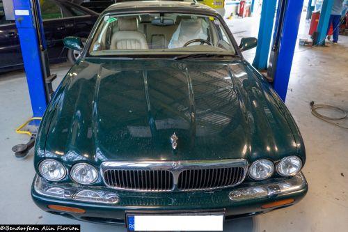 Jaguar 1998 j8 3.2